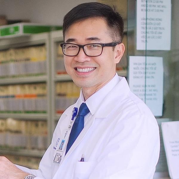 Dùng lá xông hơi, súc miệng nước muối có phòng được Covid-19? Bác sĩ người Việt tại Mỹ tiết lộ câu trả lời-1