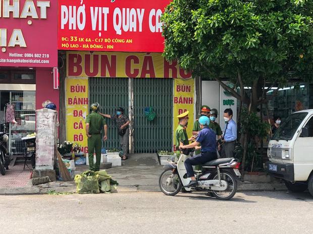 Hà Nội: 291 người dân và 5 cơ sở kinh doanh bị phạt gần 700 triệu đồng sau hơn 1 ngày giãn cách xã hội-1