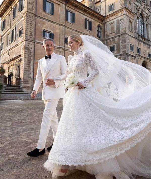 Cháu gái Công nương Diana từng chiếm spotlight tại đám cưới Meghan bất ngờ kết hôn, danh tính chú rể gây chú ý-3