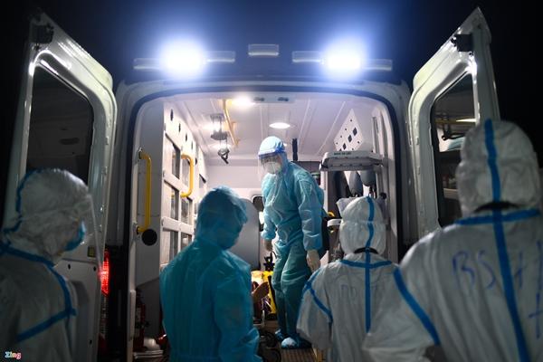 Ranh giới sinh tử ở Bệnh viện Hồi sức Covid-19 TP.HCM-1