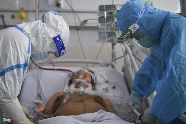 Ranh giới sinh tử ở Bệnh viện Hồi sức Covid-19 TP.HCM-8