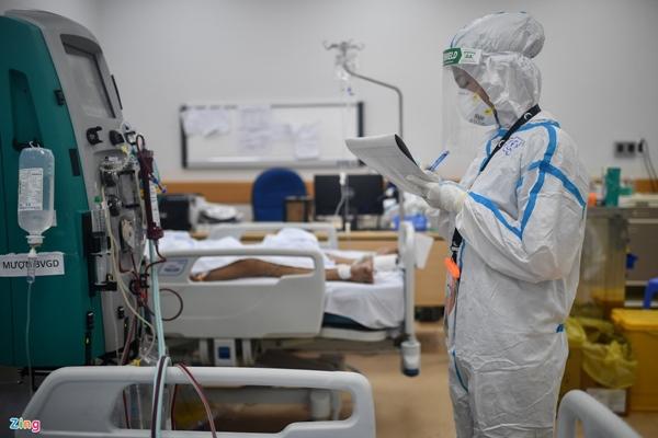 Ranh giới sinh tử ở Bệnh viện Hồi sức Covid-19 TP.HCM-16