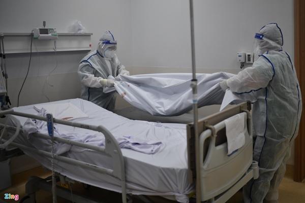 Ranh giới sinh tử ở Bệnh viện Hồi sức Covid-19 TP.HCM-21