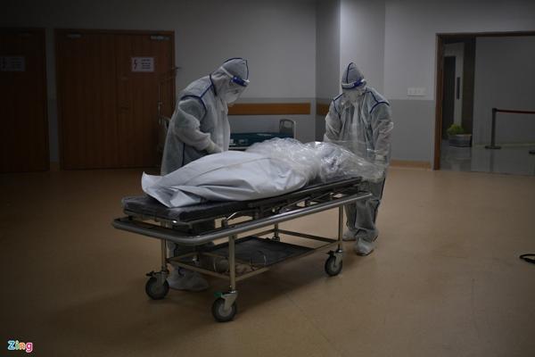 Ranh giới sinh tử ở Bệnh viện Hồi sức Covid-19 TP.HCM-22