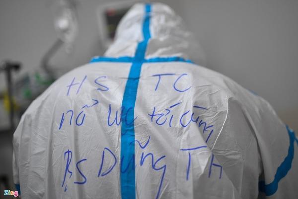 Ranh giới sinh tử ở Bệnh viện Hồi sức Covid-19 TP.HCM-27