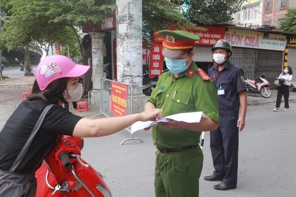 Đi làm tại Hà Nội cần giấy tờ gì để qua các chốt kiểm dịch?-1