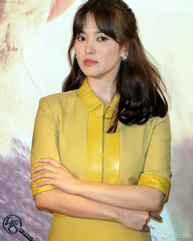 Song Hye Kyo hôm nay trẻ đẹp vô địch, tất cả là nhờ vào combo tóc tết và makeup đạt 100 điểm tròn trĩnh-6