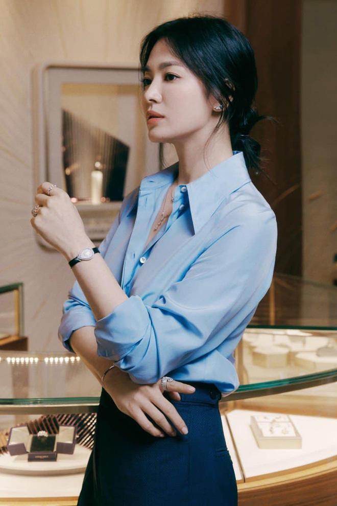 Song Hye Kyo hôm nay trẻ đẹp vô địch, tất cả là nhờ vào combo tóc tết và makeup đạt 100 điểm tròn trĩnh-7
