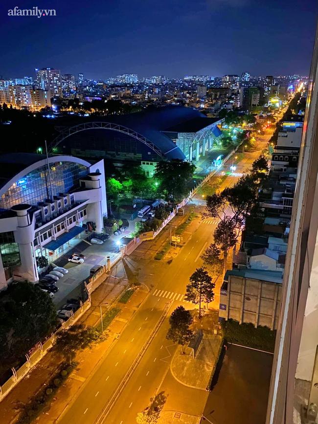 Những ngã tư vắng đến hiu hắt trong ngày đầu Sài Gòn không ra đường sau 18h-9