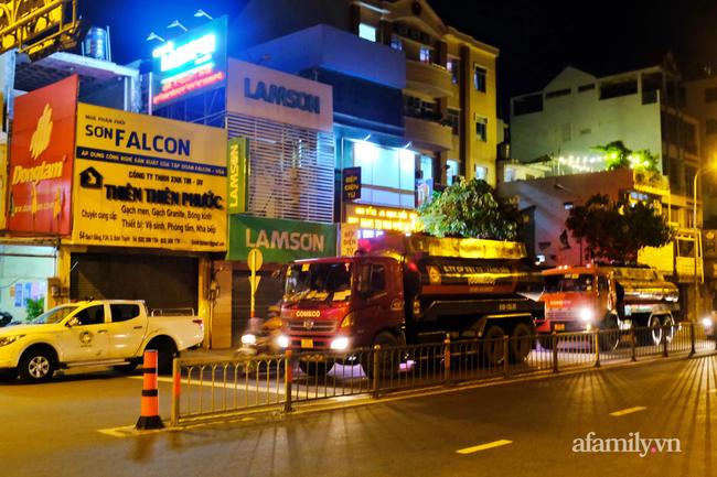 Những ngã tư vắng đến hiu hắt trong ngày đầu Sài Gòn không ra đường sau 18h-6