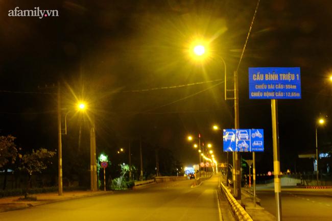 Những ngã tư vắng đến hiu hắt trong ngày đầu Sài Gòn không ra đường sau 18h-7