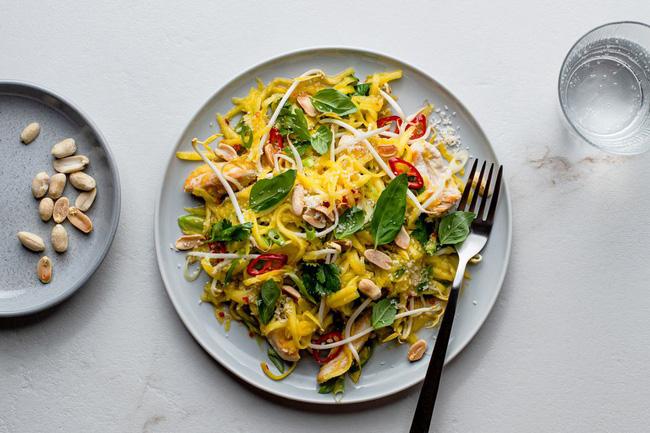 Ở nhà giãn cách cũng không sợ tăng cân nếu làm món salad này ăn thường xuyên-6