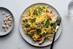 Ở nhà giãn cách cũng không sợ tăng cân nếu làm món salad này ăn thường xuyên