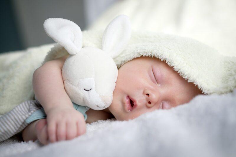 Hành động này của trẻ khi ngủ khiến mẹ phiền lòng nhưng thực chất lại báo hiệu trẻ có IQ cao, cha mẹ thường bỏ qua mà không hề hay biết-4
