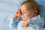 Hành động này của trẻ khi ngủ khiến mẹ phiền lòng nhưng thực chất lại báo hiệu trẻ có IQ cao, cha mẹ thường bỏ qua mà không hề hay biết