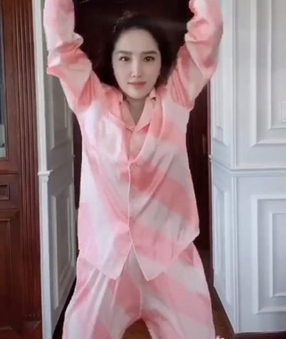Hà Hồ, Lệ Quyên mặc đồ ngủ pyjama thôi mà nhìn giá phát hoảng-8