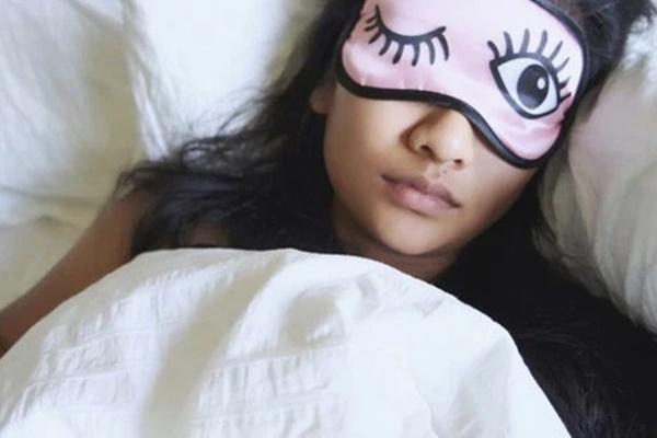 Phụ nữ đừng phạm sai lầm nghiêm trọng này khi đi ngủ vì còn nguy hiểm hơn cả ung thư, thậm chí khiến đột tử-1