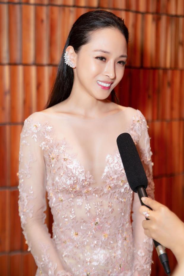 Vbiz từng rúng động bởi scandal tình - tiền của 1 Hoa hậu: Bị tố lừa đảo 16,5 tỷ đồng, nụ cười bí hiểm trên toà gây ám ảnh!-12