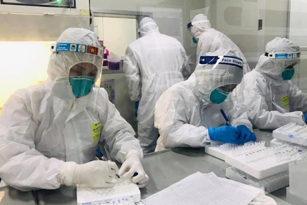 Sáng 28/7, Hà Nội phát hiện thêm 18 ca dương tính SARS-CoV-2 ở 4 chùm ca bệnh-1