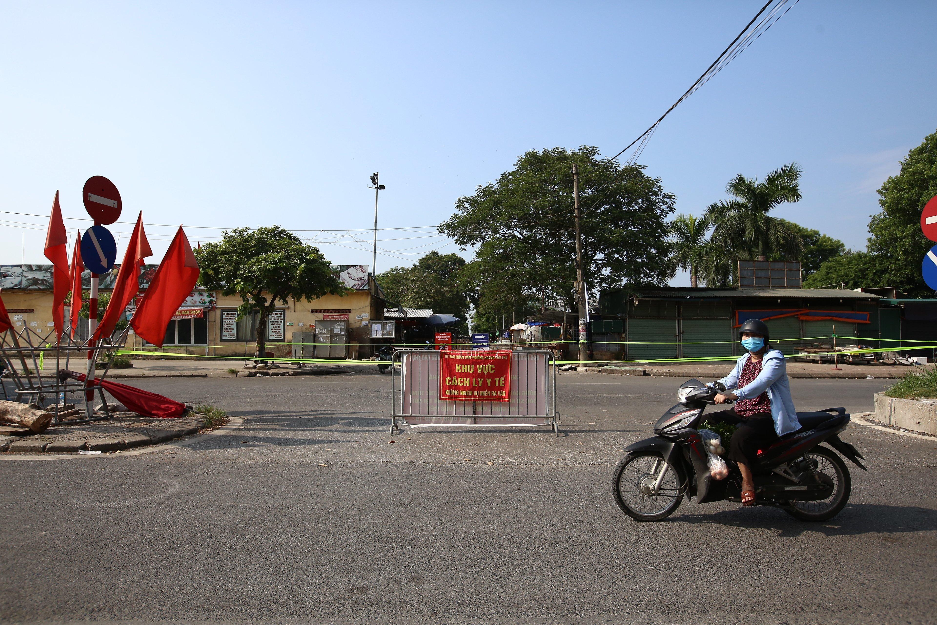 Dừng hoạt động, phong tỏa chợ đầu mối phía Nam Hà Nội-3