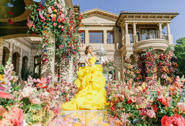 Nữ đại gia ở biệt thự 800 tỷ khoe ảnh tạo dáng bên ván Chanel từng khiến Chi Pu - Ngọc Trinh mê mẩn, vóc dáng U60 gây ngỡ ngàng-2
