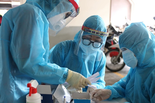 Đoàn nhân viên y tế Quảng Ninh hỗ trợ TP.HCM chống dịch có 16 người dương tính SARS-CoV-2-1