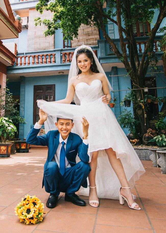 Hot: Đồng Văn Hùng của Ẩm thực mẹ làm thông báo lấy vợ bằng hình ảnh bá đạo chứng minh nhà là phải có nóc-1