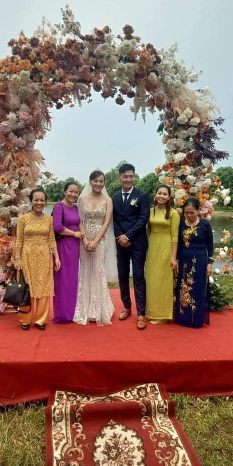 HOT nhất Hương vị tình thân: Long - Nam bị lộ ảnh cưới chụp cùng họ hàng, fan đua nhau lên thuyền trở lại-1