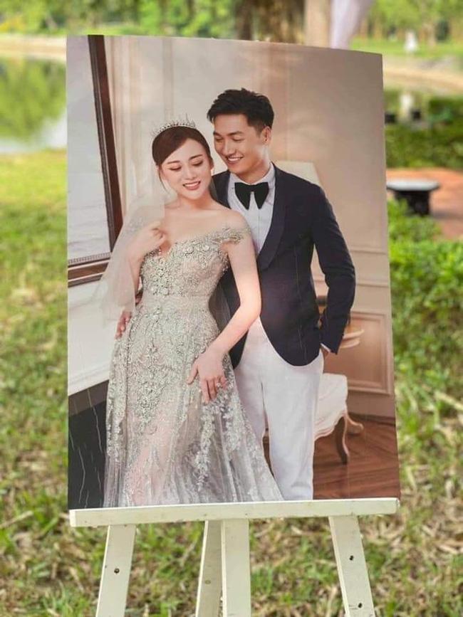 HOT nhất Hương vị tình thân: Long - Nam bị lộ ảnh cưới chụp cùng họ hàng, fan đua nhau lên thuyền trở lại-3