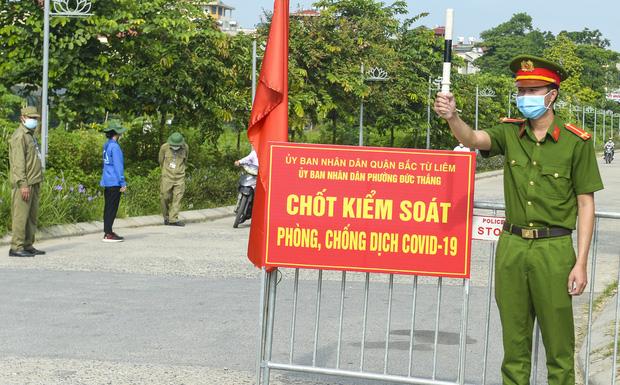 CA Hà Nội: Tháo chốt chắn tại nhiều tuyến đường, phố chính, chỉ chốt ở khu có F0-1