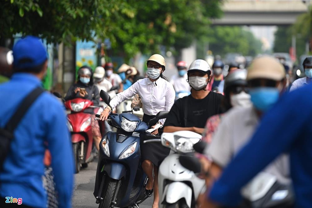 Nhiều chốt kiểm soát Covid-19 ở Hà Nội bị ùn ứ-8