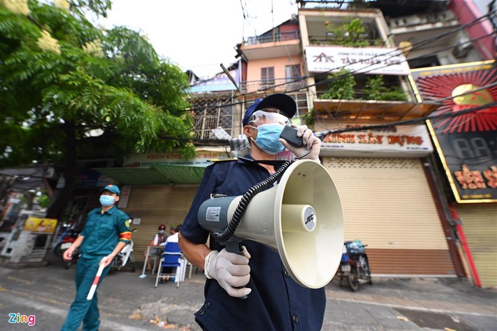 Nhiều chốt kiểm soát Covid-19 ở Hà Nội bị ùn ứ-10