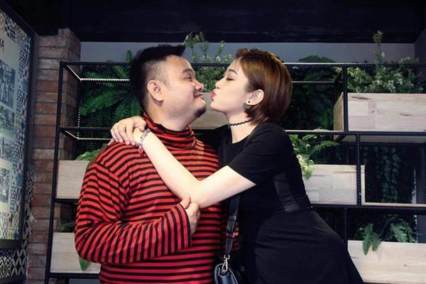 Vinh Râu quay xe gửi lời mời kết bạn sau khi block vợ cũ, Lương Minh Trang thốt lên 1 câu thấy rõ đang có biến-4