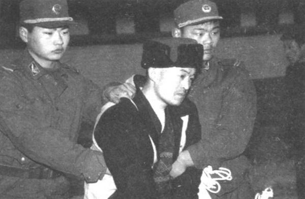 """Con quỷ điên loạn"""" - sát nhân bệnh hoạn nhất Trung Quốc: Bị cái nghèo vùi dập tài năng, nhân cách biến dạng từ sự căm phẫn đối với xã hội-1"""