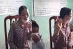 Chính quyền lên tiếng vụ bà ngoại không cho cháu mồ côi nhập hộ khẩu, bỏ cháu lại ủy ban xã ở Tuyên Quang