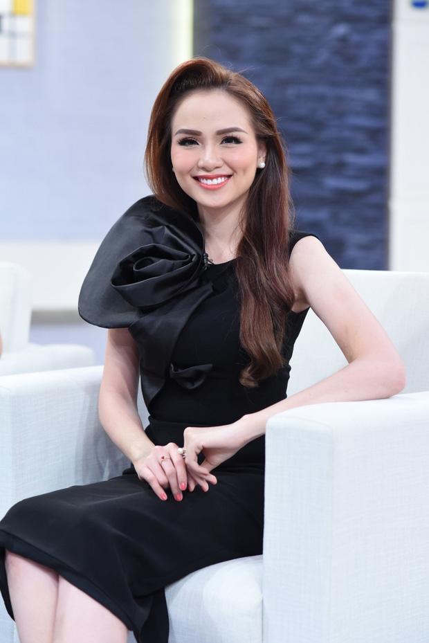 Hoa hậu Diễm Hương gây tranh cãi khi dạo quanh TP.HCM giữa lúc giãn cách xã hội theo Chỉ thị 16, lời giải thích có hợp lý?-4
