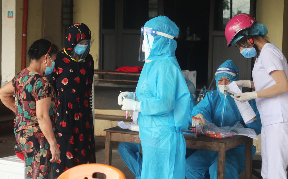 Người phụ nữ tiếp xúc với F0 nhưng giấu nhẹm, khi bị ho, sốt mới đến khai báo-1