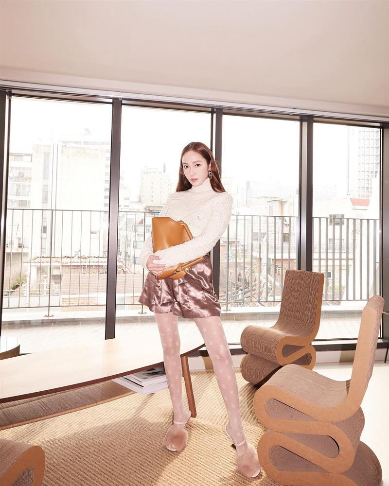 Song Hye Kyo hack tuổi tài tình đấy nhưng có qua mặt nổi Jessica thời thượng khi đụng bộ cánh na ná?-6