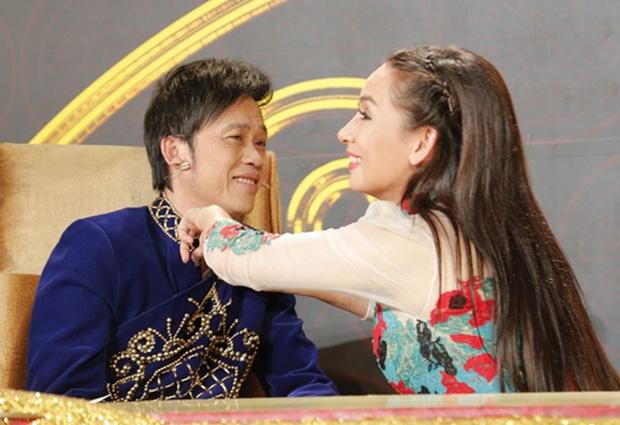 Xôn xao clip Phi Nhung tiết lộ suýt làm vợ Hoài Linh, nam danh hài liền có phản ứng cực phũ: Nằm mơ đi nha Nhung-1