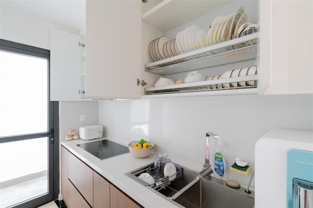 Căn hộ chung cư phong cách tối giản với tone màu trắng kem đầy ấn tượng, sạch sẽ tươm tất mà không kém phần sang chảnh-11