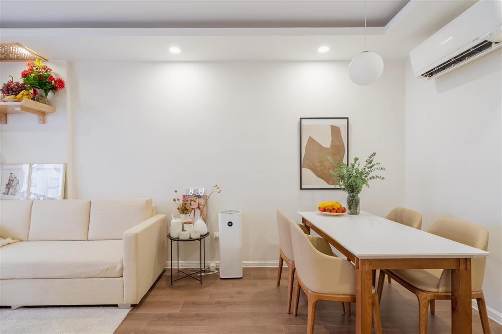 Căn hộ chung cư phong cách tối giản với tone màu trắng kem đầy ấn tượng, sạch sẽ tươm tất mà không kém phần sang chảnh-3