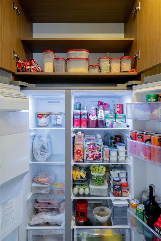Căn hộ chung cư phong cách tối giản với tone màu trắng kem đầy ấn tượng, sạch sẽ tươm tất mà không kém phần sang chảnh-14