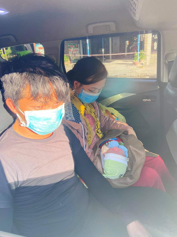 Thương cháu bé 9 ngày tuổi cùng bố mẹ vượt hơn 1.000km từ Bình Dương về quê tránh dịch trên chiếc xe máy cà tàng-6