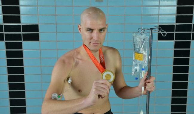Không ai có thể tưởng tượng đây là bàn chân của VĐV bơi lội Olympic cùng câu chuyện nhói lòng đằng sau-2