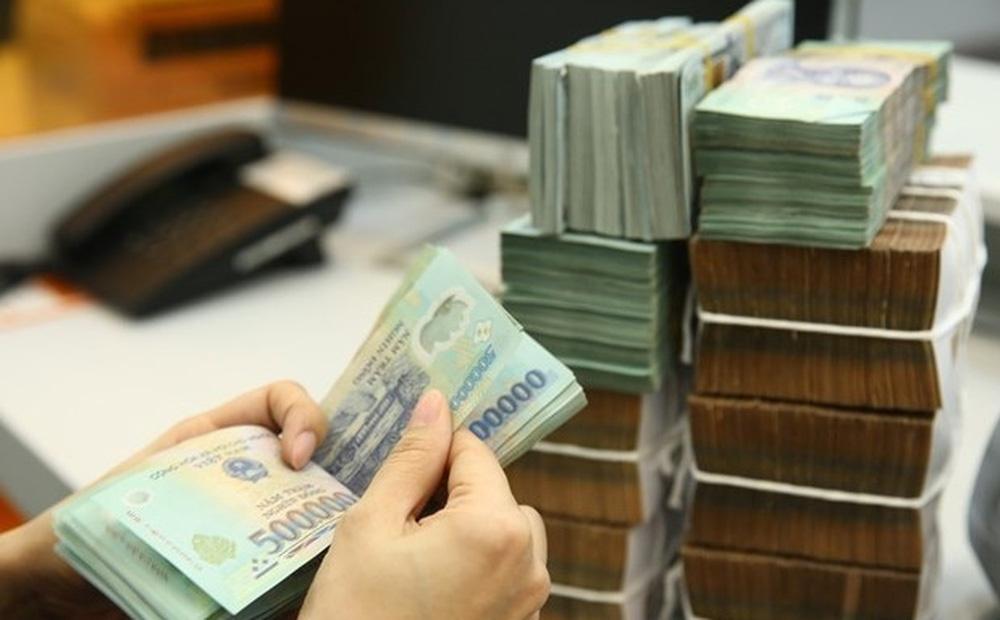 Bắt nhân 1 viên ngân hàng cổ phần thương mại lừa đảo gần 10 tỉ đồng-1