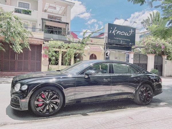 Rich kid Việt và những món quà khủng: Bộ đôi siêu xe ngót nghét 70 tỷ, đồng hồ sang với hàng hiệu nhiều không đếm nổi-3
