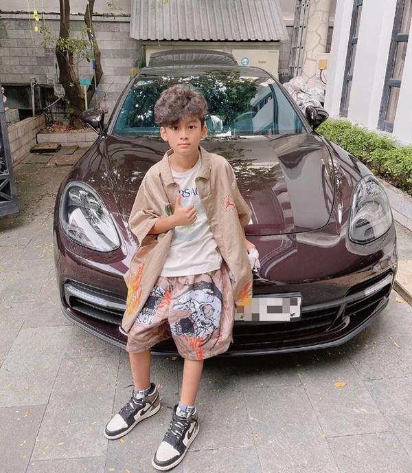 Rich kid Việt và những món quà khủng: Bộ đôi siêu xe ngót nghét 70 tỷ, đồng hồ sang với hàng hiệu nhiều không đếm nổi-1