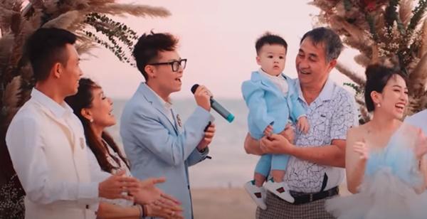 Rich kid Việt và những món quà khủng: Bộ đôi siêu xe ngót nghét 70 tỷ, đồng hồ sang với hàng hiệu nhiều không đếm nổi-15