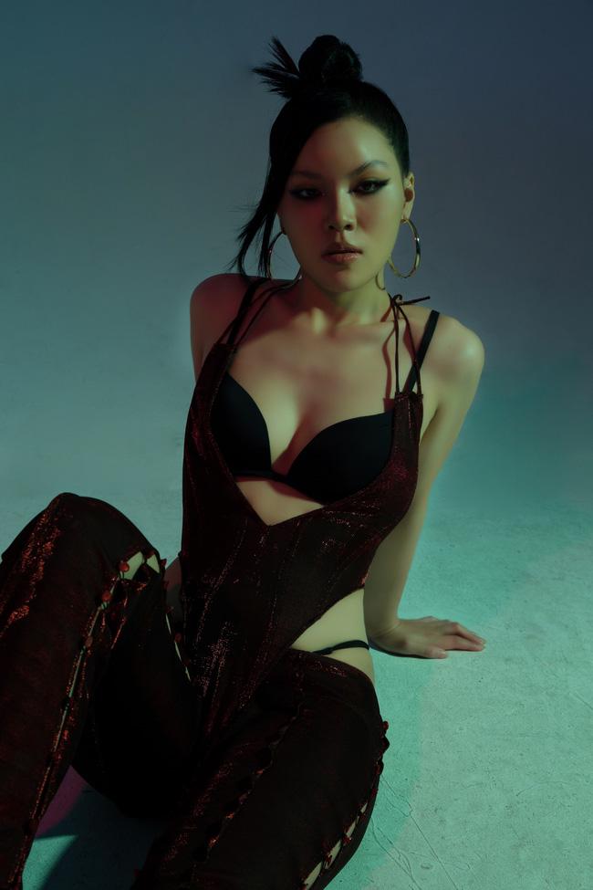 Nữ diễn viên Hương vị tình thân bị đào lại ảnh khoe thân trên MXH gắn liền với tai tiếng khiêu dâm-3