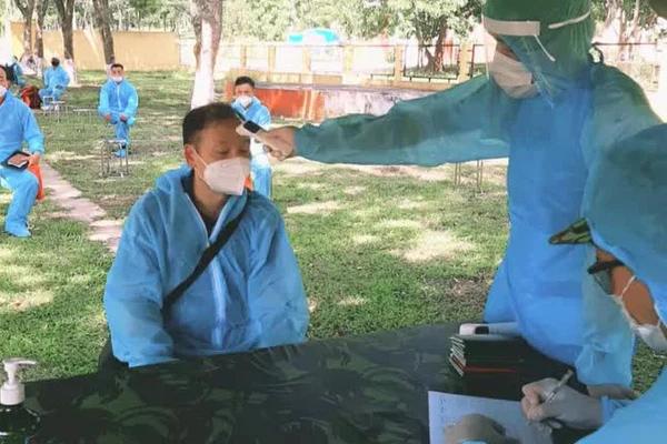 Nam thanh niên dương tính SARS-CoV-2 sau khi đi xe máy từ TP.HCM về quê-1